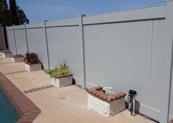 Grey privacy vinyl fence in Torrance, CA