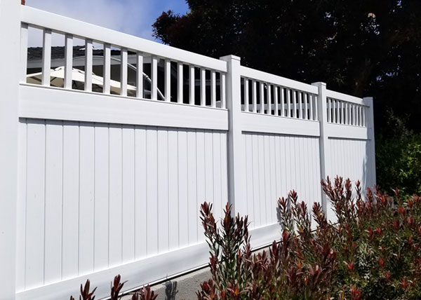 Vinyl Fence in Manhattan Beach, CA