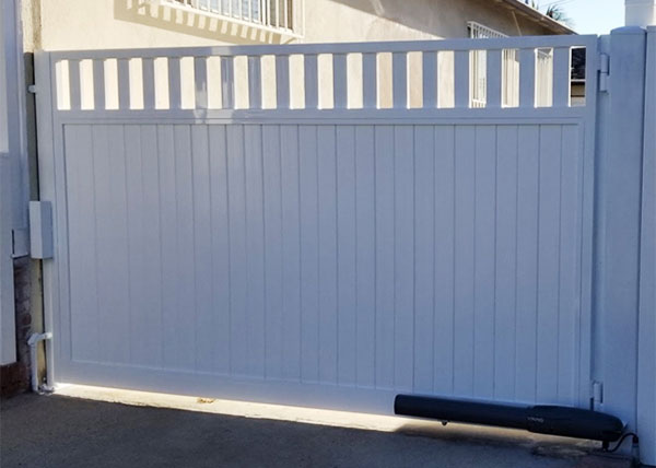 Vinyl Driveway Gate in Ladera Heights, CA