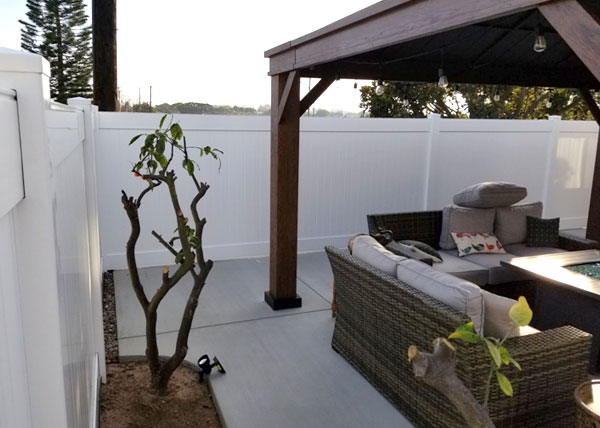 Vinyl Backyard Fence Installation in Gardena