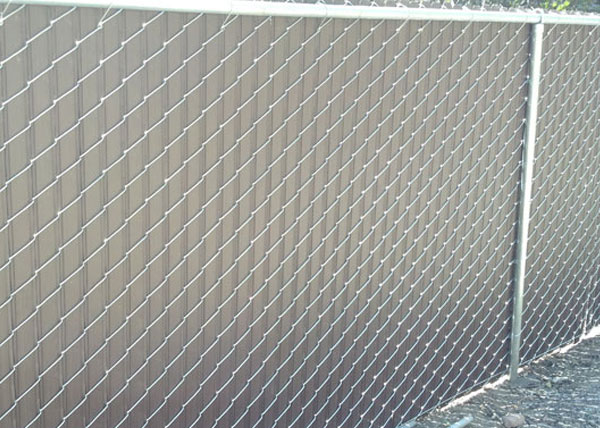 this chain link fence in reseda ca features a 6 foot tall chain link fence with integrated colored slats that provide 95 privacy - Chain Link Fence Slats