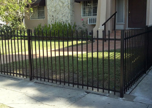 We Installed This Residential 4 Ft Tall Iron Fence In Los Angeles Ca The Was Homeowner S Front Yard And Features Punch Pressed