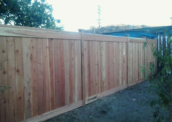J Amp J Wood Vinyl Fence Gallery Wooden Fence Installation